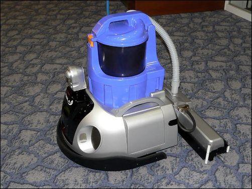 带垃圾桶的清扫机器人【图】